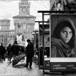 Gli occhi della speranza - Exposición de National Geographic en Via Dante, Milán, Italia.
