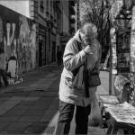 Lectura en diagonal. Buenos Aires. Argentina, 2013. © Marcelo Aurelio