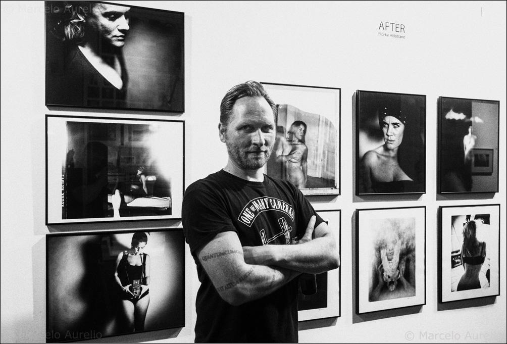 """Bjarke Ahlstrand en su exposición """"AFTER"""" en Barcelona Visions. Barcelona, 2016.  © Marcelo Aurelio"""