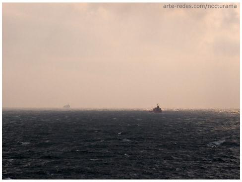 Atardecer cruzando el estrecho de Gibraltar