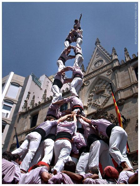 Colla castellera Minyons de Terrassa - dos de nou amb folre i manilles - Festa Major 03/07/2005 Terrassa - Barcelona