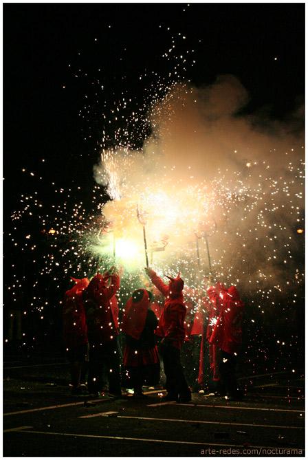 Diablos y fuego en la Noche de San Joan - Diables i foc en la Nit de San Joan - Colla de Diables de Rubí - Rubí - Barcelona