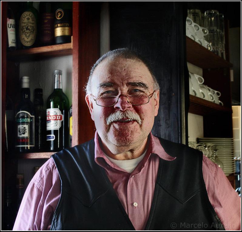 El dueño del bar - Passau, Baviera, Alemania