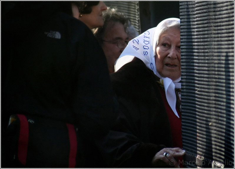 ¿Dónde? - Madre de Plaza de Mayo - Buenos Aires - Argentina