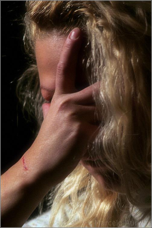 Basta ! 25 de noviembre - Día Internacional de la Eliminación de la Violencia contra la Mujer