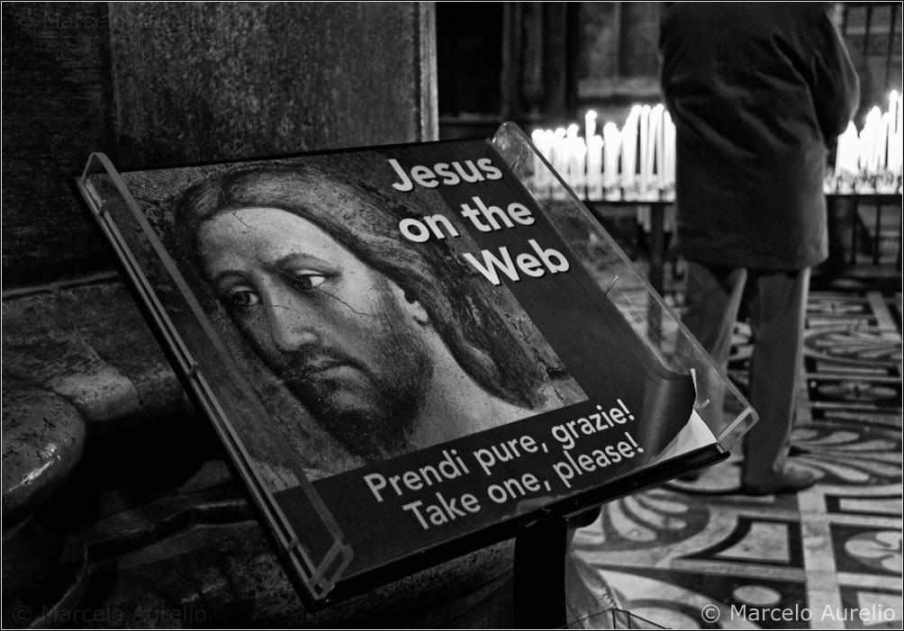 Jesus on the web  ( ¿tendrá Facebook? ) - Duomo de Milán