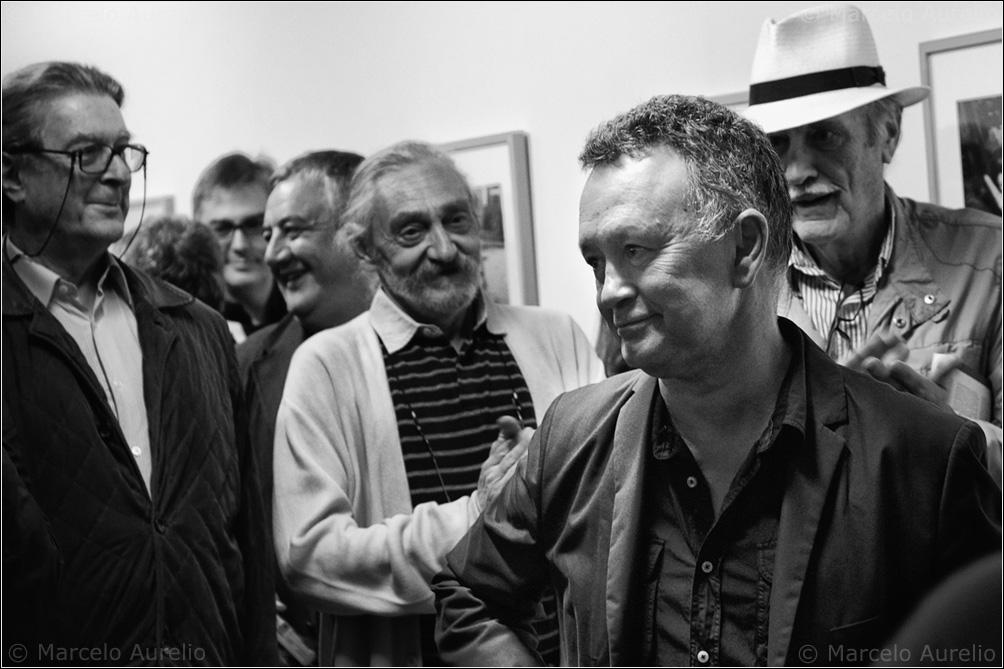 Paco Elvira en la presentación de su novela novela y exposición fotográfica, Un día de mayo, en Valid Foto. Barcelona 2011-04. © Marcelo Aurelio