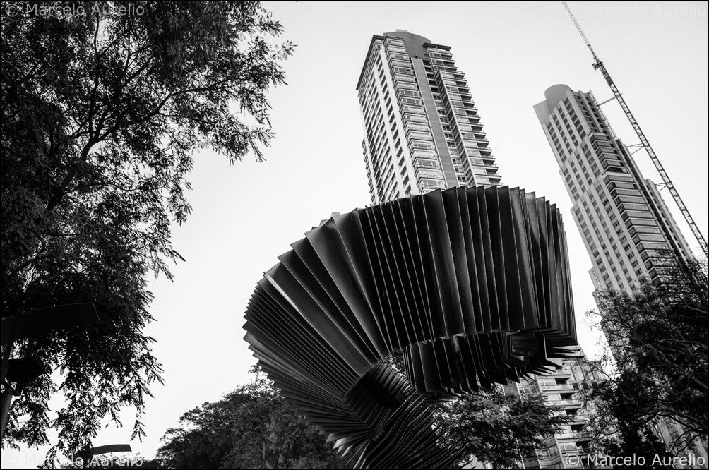 Che bandoneón. Monumento al Tango. Buenos Aires, Argentina, 2013. © Marcelo Aurelio