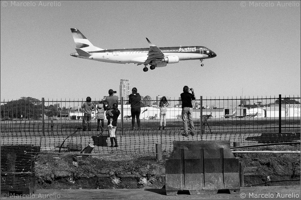 El avión. Buenos Aires, Argentina. 2013. © Marcelo Aurelio