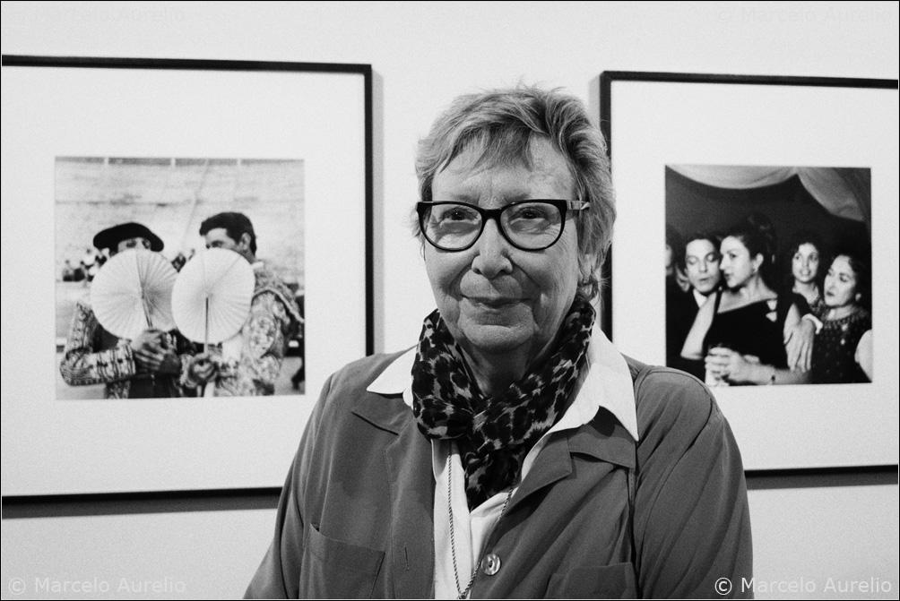 Joana Biarnés: Disparando con el corazón. Galería Valid Foto BCN. Barcelona, 2016. © Marcelo Aurelio