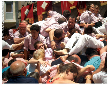 Colla castellera Minyons de Terrassa - Fiesta mayor de Terrassa, Barcelona 3-7-05