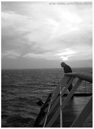 cruzando el estrecho de Gibraltar de Tanger a Algeciras