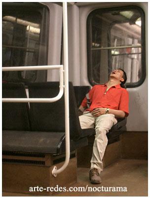 dormir en el metro